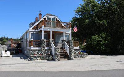 Quiet, Unique, and Cozy Beach house
